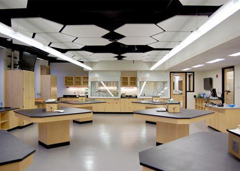 UNL chemistry lab in Hamilton Hall